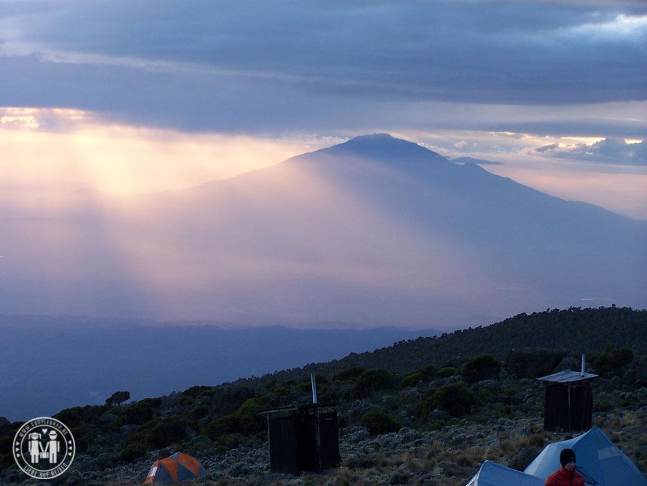 Der Mount Meru bei Sonnenaufgang.