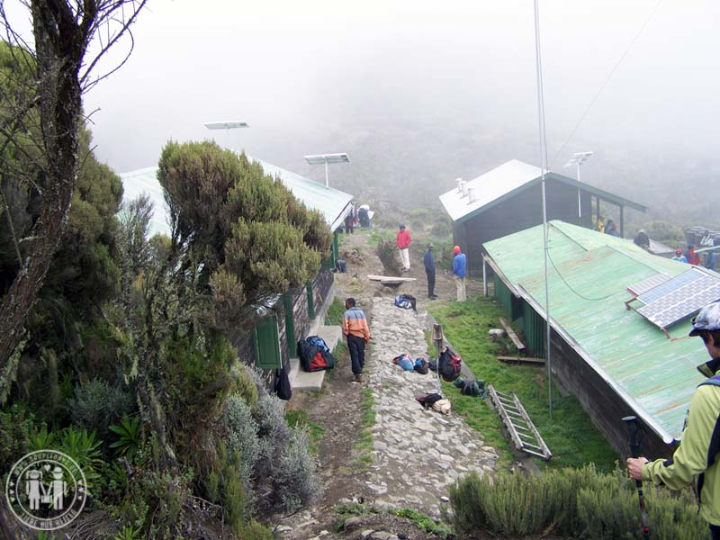 Die Saddle Hut am Mount Meru
