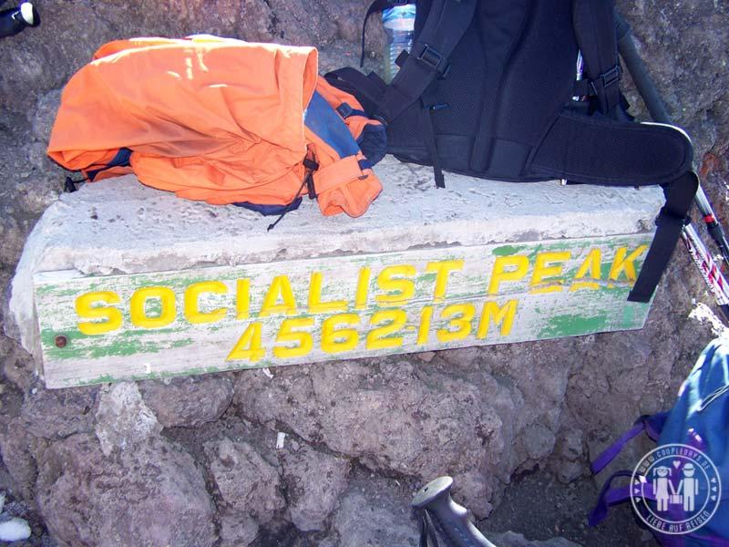Am Gipfel des Mount Meru.