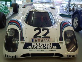 """Porsche 917 K auf der Ausstellung """"Porsche - Design, Mythos, Innovation"""" in Linz"""